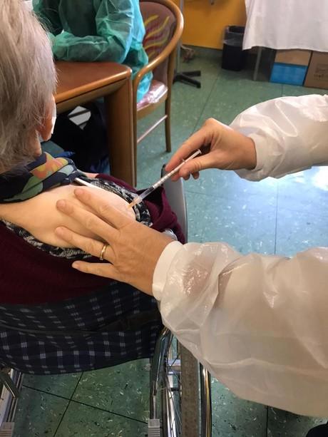 Vaccini: terza dose alla RSA Humanitas di Borghetto