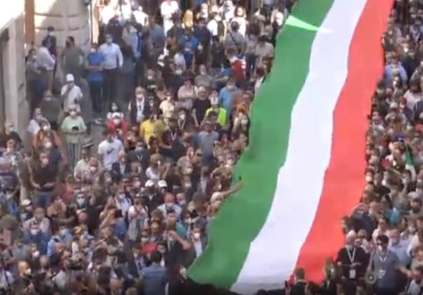 la manifestazione del centrodestra a Roma il 2 giugno scorso